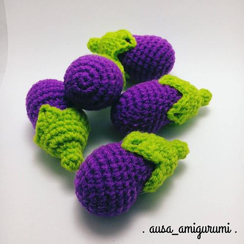 Eggplant keychain amigurumi