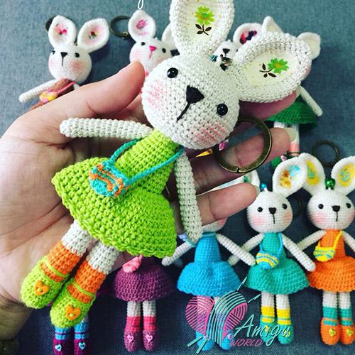 Rabbit keychain amigurumi – Thai Pattern