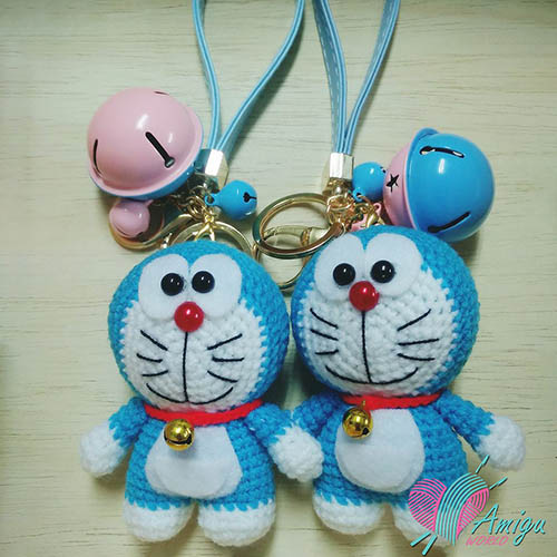 Doraemon keychain amigurumi