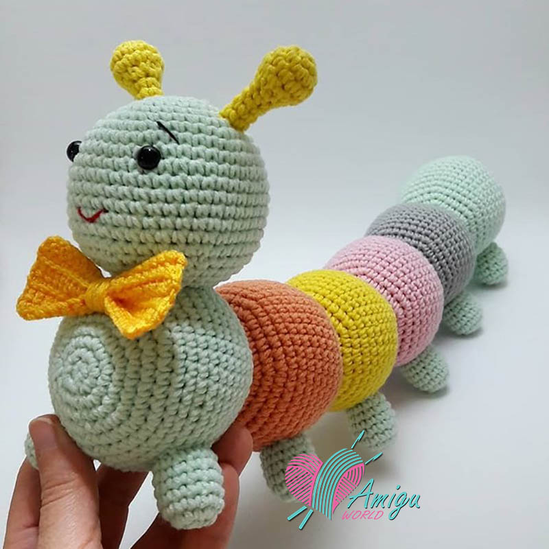 How to crochet a Worm amigurumi pattern