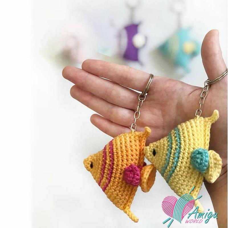 Fish keychain amigurumi Free pattern