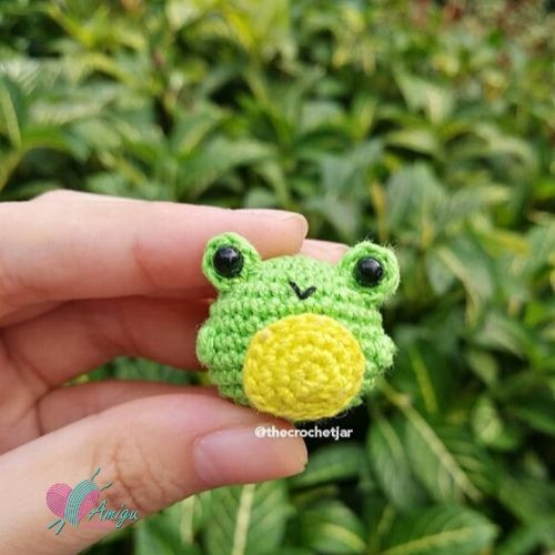 Little Frog amigurumi pattern crochet