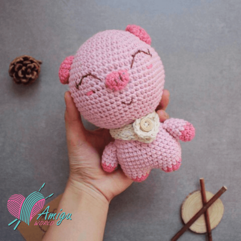 Mini Amigurumi Pig - A Free Crochet Pattern - Grace and Yarn | 800x800