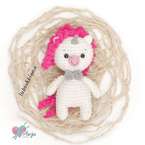 Small unicorn amigurumi keychain crochet pattern