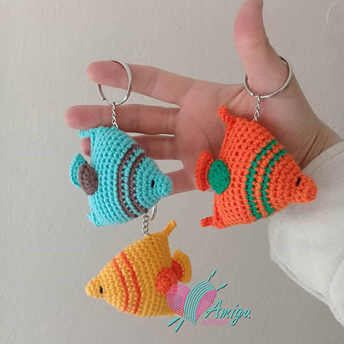 Crochet a colorul fish amigurumi – Poland pattern