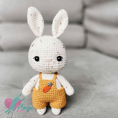Hazelnut the little Bunny – English pattern