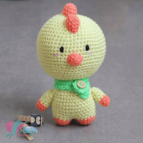 Cute fat chicken amigurumi free crochet pattern