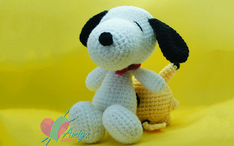How to crochet a Snoopy dog amigurumi