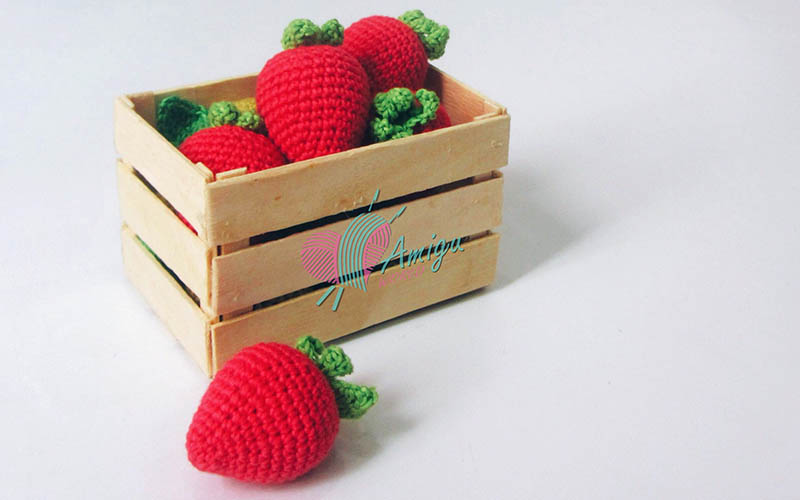 Strawberry amgurumi