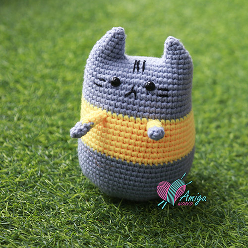 Crochet a Pusheen amigurumi free English pattern