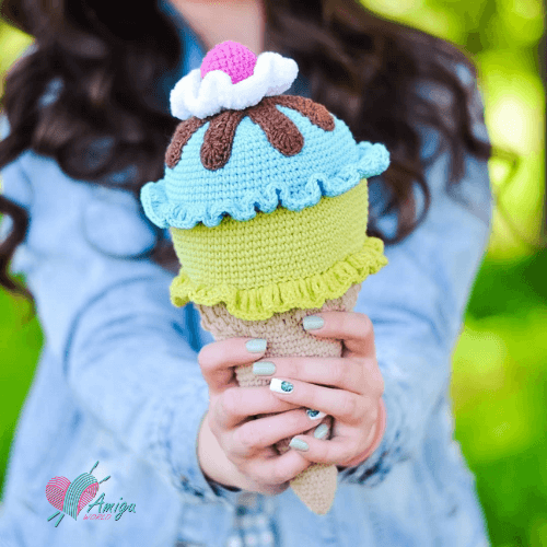 Big ice cream amigurumi toy – Russia Pattern
