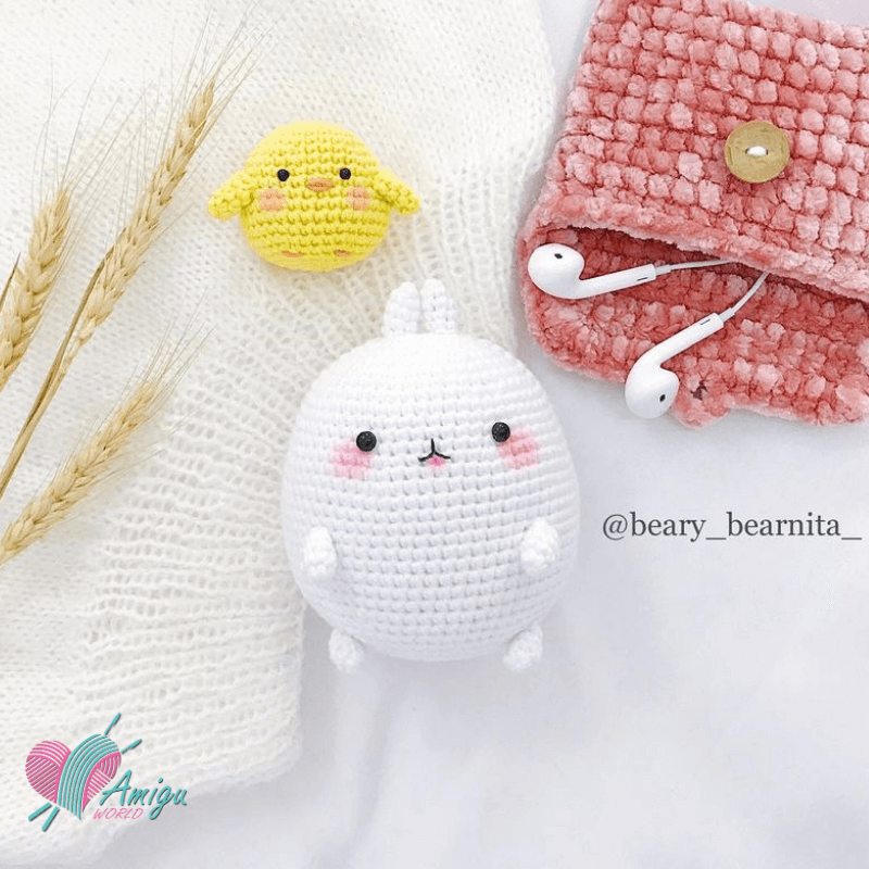 How to crochet Molang amigurumi character