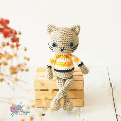 Con mèo thú bông len chart móc miễn phí của Amigu World